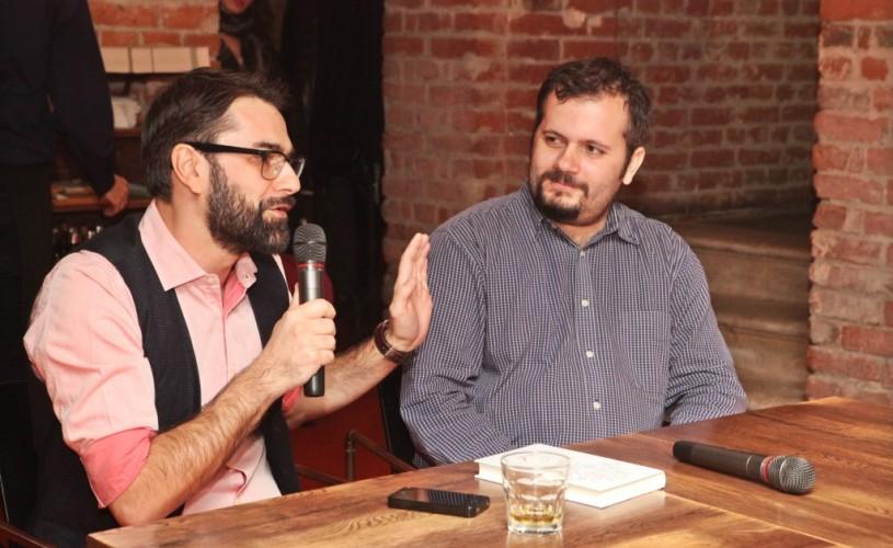"""Marius Chivu: """"Ne-am întâlnit într-o cafenea și ne-am împărțit literatura română"""""""
