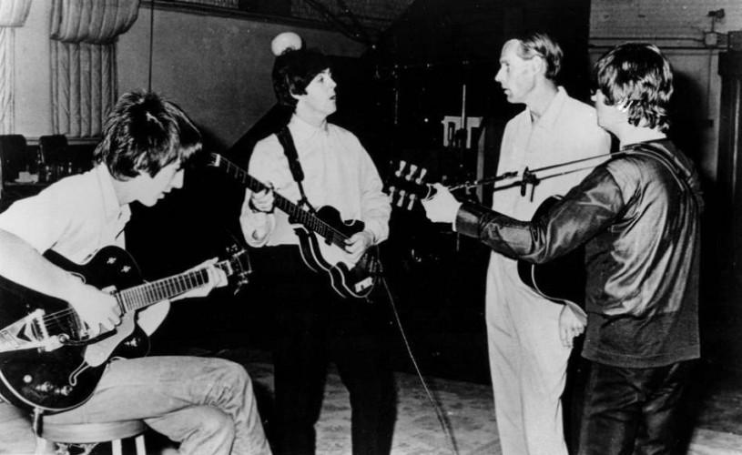 George Martin, producătorul trupei The Beatles, a murit la vârsta de 90 de ani