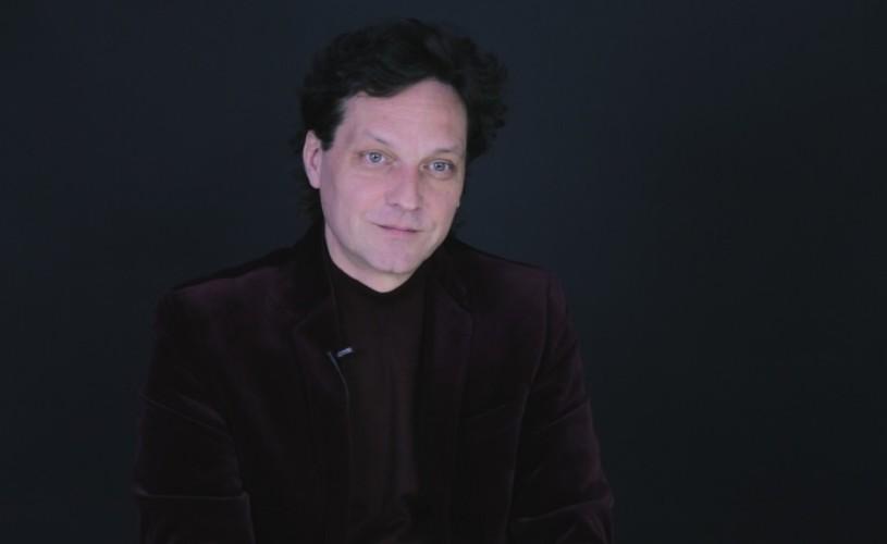 George Ivașcu a oferit <strong>poeme-cadou</strong> de 8 Martie