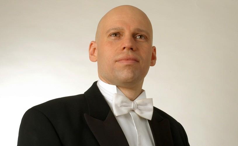 """Julien Salemkour dirijează """"Daphnis şi Chloé"""" la Sala Radio"""