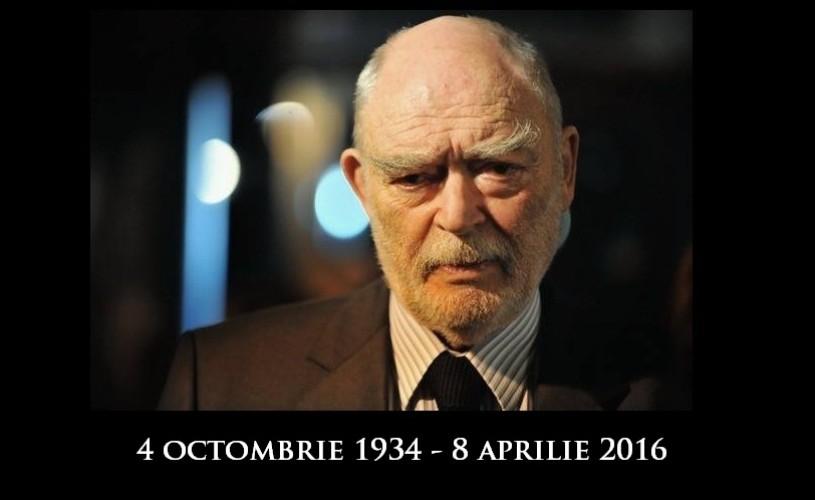 A murit Mircea Albulescu. Foto exclusiv – ultima repetiţie a actorului