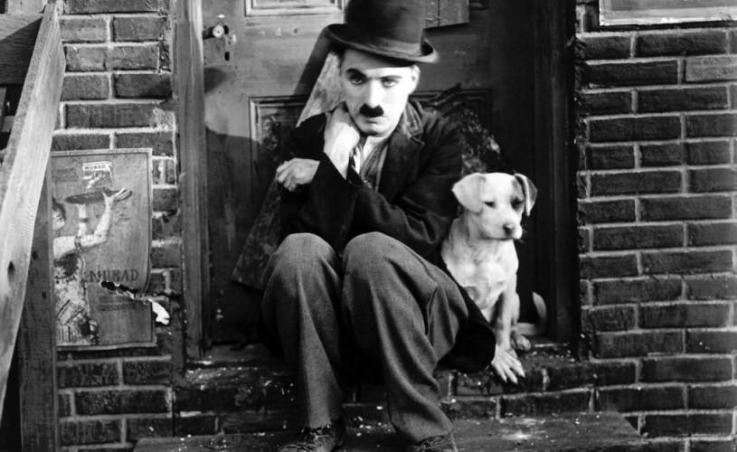 Charlie Chaplin, povestea unei copilării petrecute între scenă și azilul de săraci