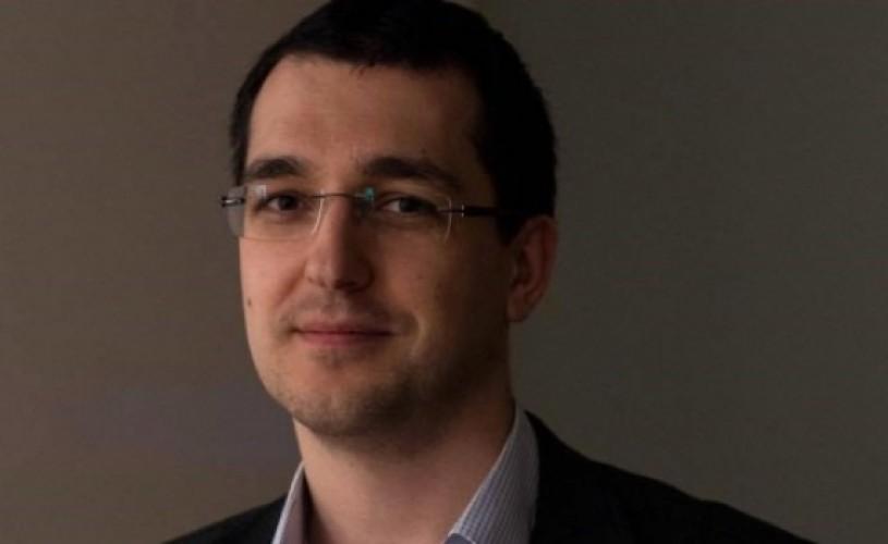 """Protagonistul documentarului """"Rețeaua"""", Vlad Voiculescu, noulMinistru al Sănătăţii"""