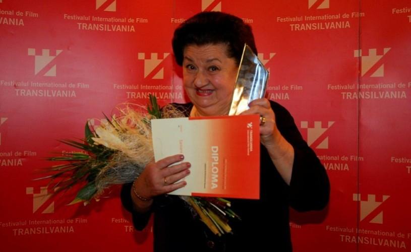 """""""Vă mulţumesc că nu m-aţi uitat!"""". Tamara Buciuceanu Botez, premiată pentru întreaga carieră"""
