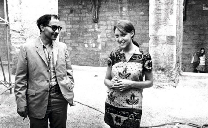 Povestea de dragoste a actriței Anne Wiazemsky cu regizorul Jean-Luc Godard prinde viață
