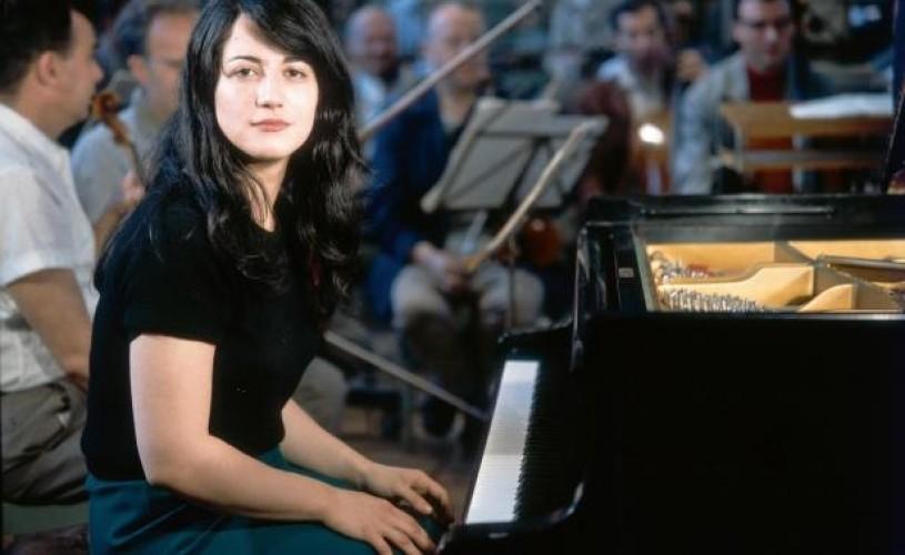 Tinerețe: înregistrări semnate de pianista Martha Argerich și dirijorul Andris Nelsons