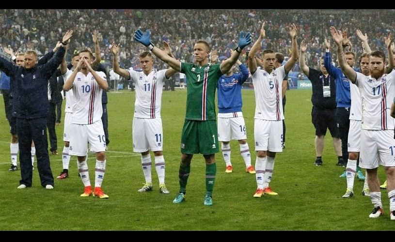 Aplauzele islandeze și valul mexican