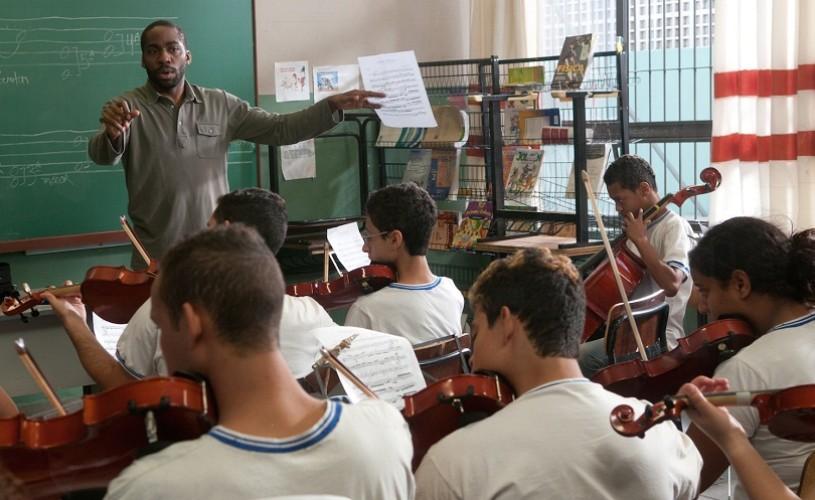 """""""Profesorul de vioară"""" – un film necesar pentru Brazilia"""