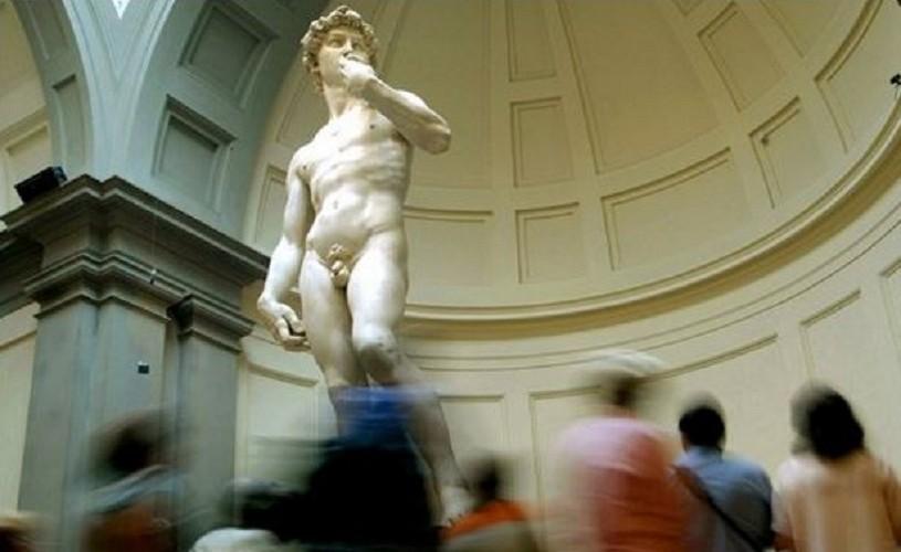 """De luat aminte. Guvernul italian oferă tinerilor """"bonus de cultura"""" (500 de euro)"""