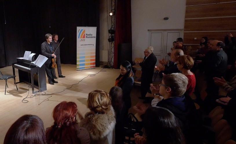 Muzică clasică în sate şi oraşe cu Vioara lui Enescu