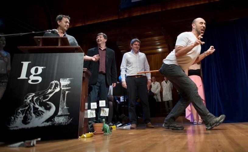 Cele mai absurde, ciudate și curioase cercetări ale anului. Ig Nobel Prizes 2016