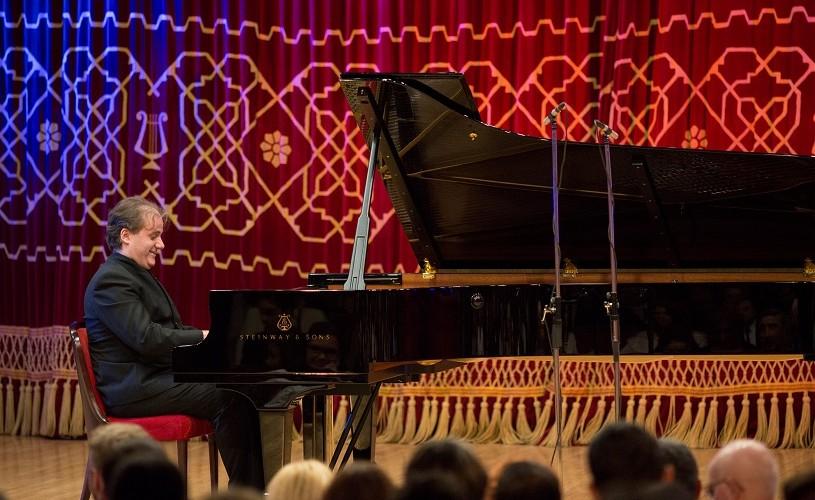 """Josu de Solaun, pianist: """"Enescu a muncit la fiecare lucrare până la perfecțiune, în ciuda zgomotelor lumii exterioare"""""""