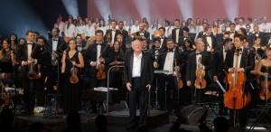 Vladimir Cosma, aplaudat în picioare, la Paris, de 3500 de persoane