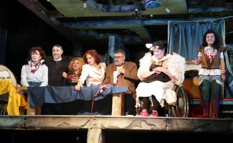 Familie de artiști, la Teatrul Nottara. Ce nu se leagă