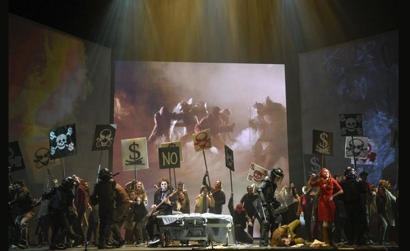 """The Wall"" a triumfat la Opera din Montreal"
