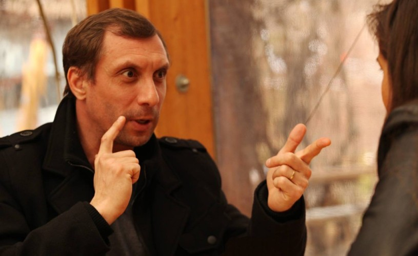 """Ion Grosu: """"Sunt într-o etapă în care nu mai știu cum se face teatru ca să pot face teatru în continuare"""""""