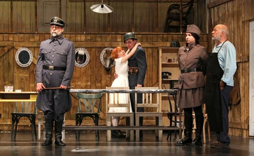 Microstagiunea Teatrului din Arad la Bucureşti
