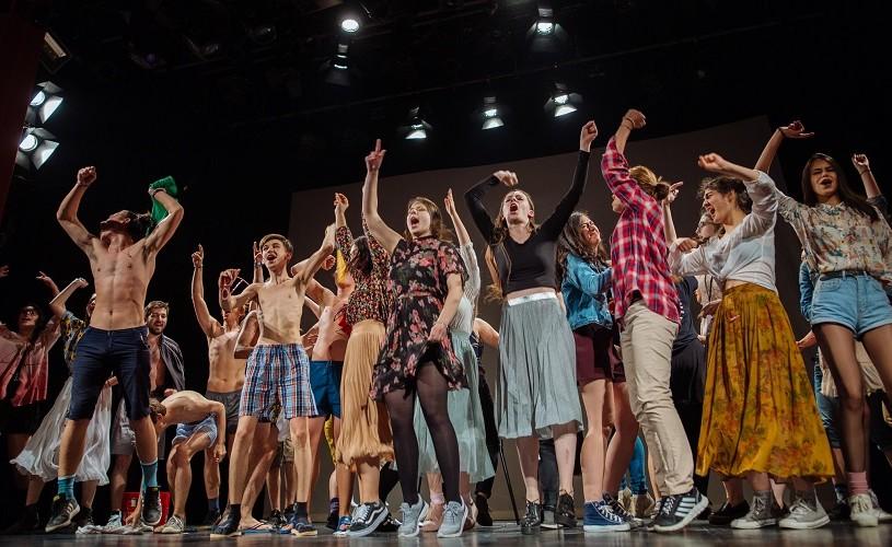 """""""Împăratul muștelor"""", DramaClub Botoșani, cel mai bun spectacol de teatru tânăr la a doua ediție RELIEF"""