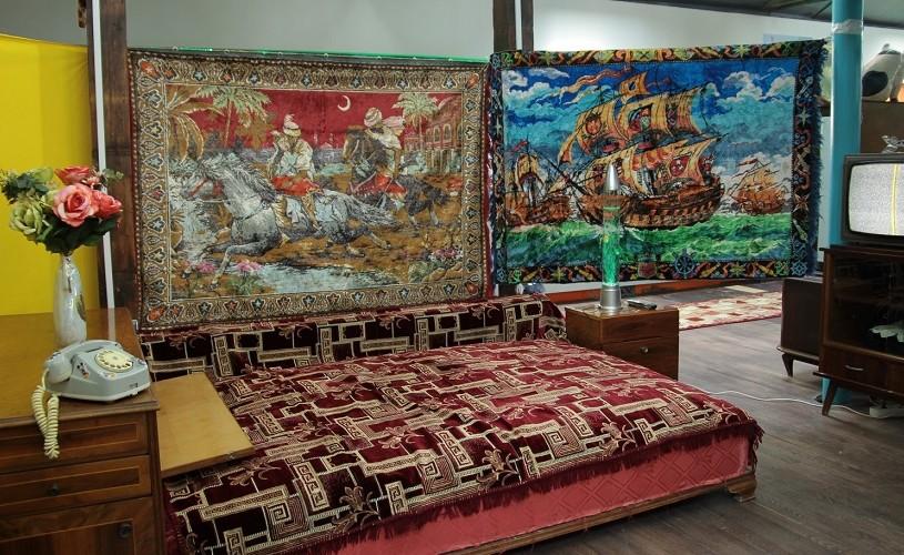 O nouă atracție în oraș. Muzeul Kitsch-ului din București