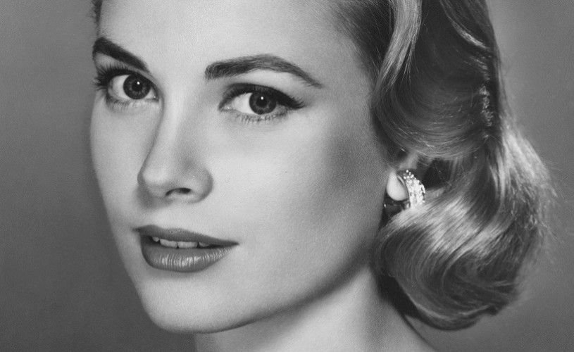 Grace Kelly, un simbol al graţiei feminine