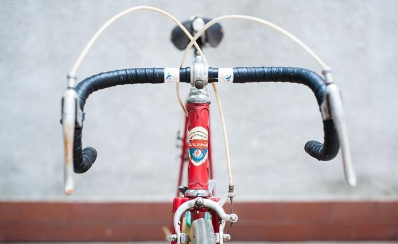 """Lămpi, scaune, biciclete, veselă şi alte obiecte """"Made in CZ, Found in RO"""""""