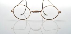 Ochelarii pictorului Claude Monet, adjudecaţi contra sumei de 50.000 de dolari