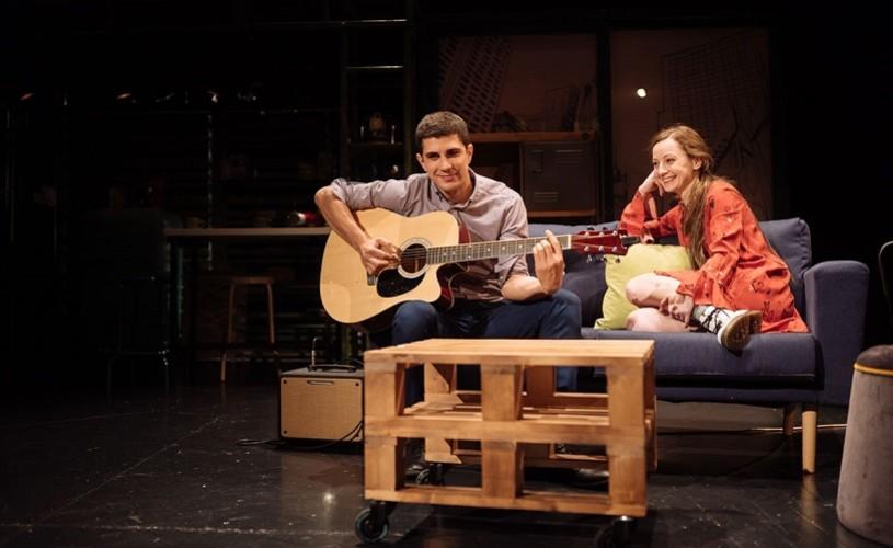 """Fluturii sunt liberi – eveniment caritabil la Teatrul EXCELSIOR. """"Ajută elevii nevăzători să aibă manuale"""""""