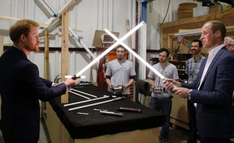 """Prinţii William şi Harry, soldaţi galactici, în viitorul """"Star Wars"""""""