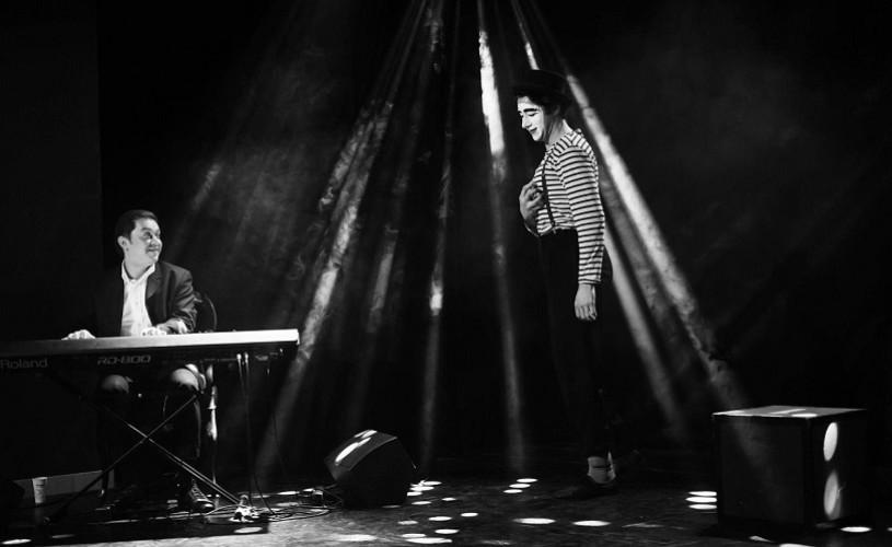 Piano&mime The Fly, un spectacol unic de pian și pantomimă