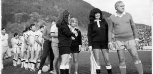 Dem Rădulescu, arbitrat de Stela Popescu (profil), Vasilica Tastaman și Cristina Stamate. Fotografie din anul 1982