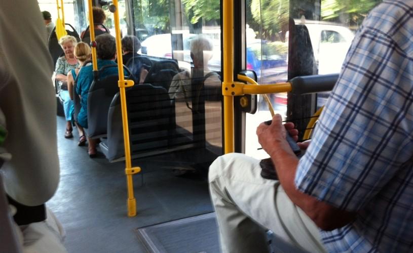Lecții de viață între două stații. POVEȘTILE lui DEDE's (din autobuz*)
