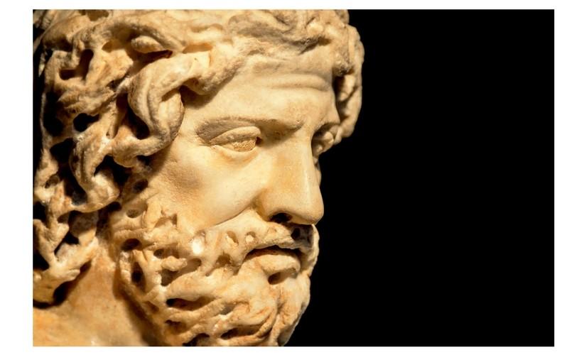 """Cărți de neocolit. Plutarch și ale sale """"Vieți paralele"""""""