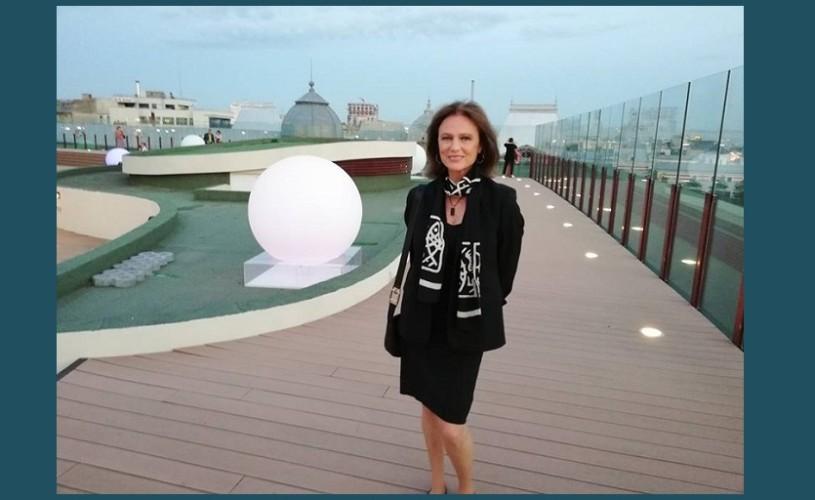 Jacqueline Bisset, pe acoperişul Naţionalului bucureştean