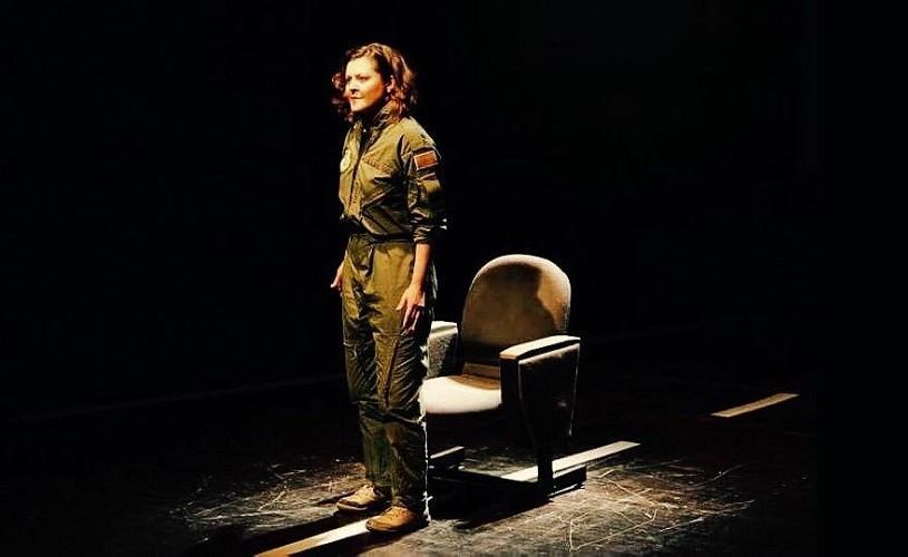 """Pilot pe viață. Isabela Neamțu în """"Grounded"""", premieră Unteatru"""