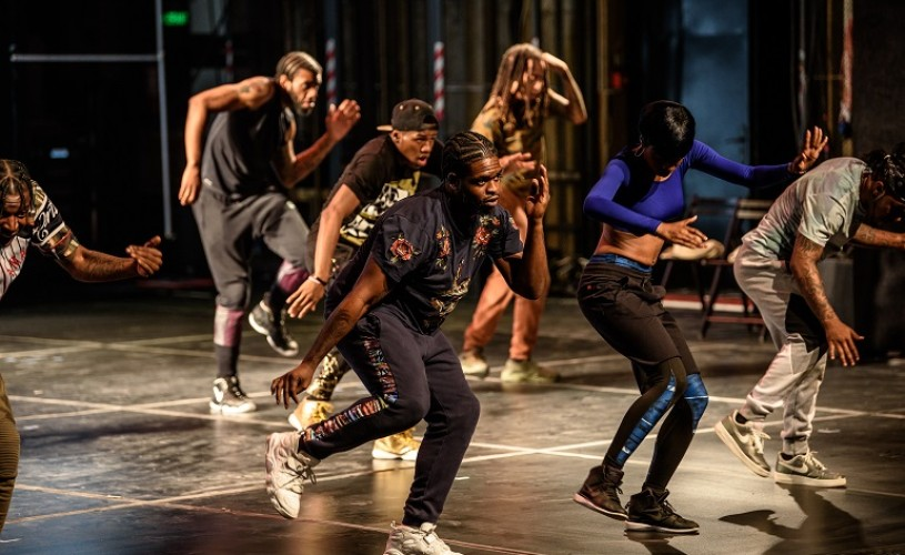 """The American Dance Show. Flexing or Connecting to Reality Through """"Bone Breaking"""""""