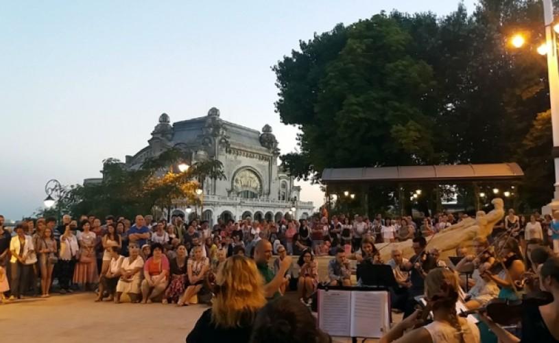 60 de melodii româneşti lansate în ultimul secol, reinterpretate simfonic pe faleza Cazinoului din Constanţa