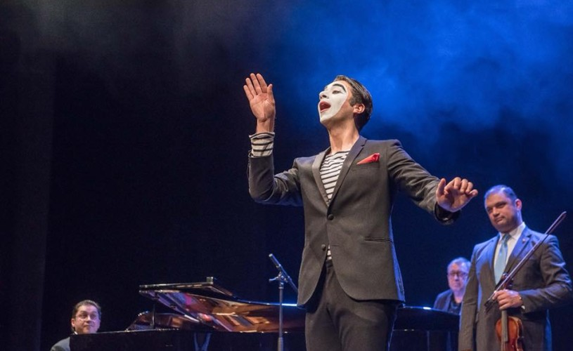 Spectacol de pian și pantomimă în Festivalul Bucureștii lui Caragiale