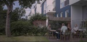 """""""Copacul vrajbei noastre"""" – un film despre rădăcinile discordiilor suburbane, din 10 august în cinematografe"""