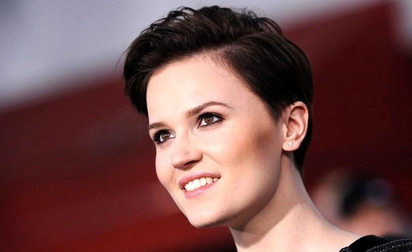 "Veronica Roth, creatoarea seriei ""Divergent"", vine la FILIT"