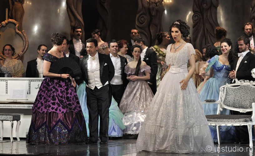 "Opera Brașov, 65 de ani de existență. ""Traviata"" deschide noua stagiune"