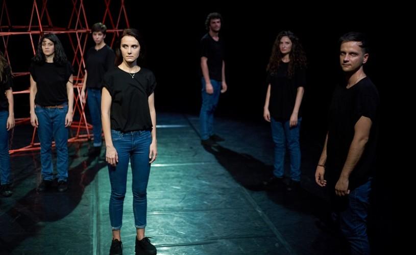 153 DE SECUNDE.Teatru contemporan inspirat de povestea uneia dintre supraviețuitoarele dramei de la Colectiv