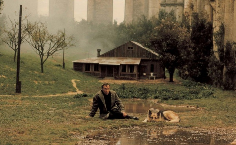 Nostalgia lui Tarkovski. Bonus: secvență rară cu cineastul rus mergând pe stradă