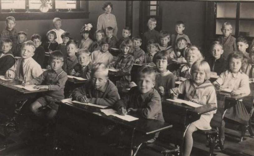 Undeva, cândva… Şcoala pe vremea lui Barbu Ștefănescu Delavrancea