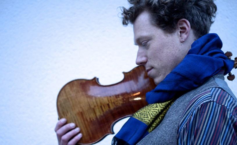 """Muzicianul Max Baillie: """"Mai degrabă, muzica te alege!"""""""