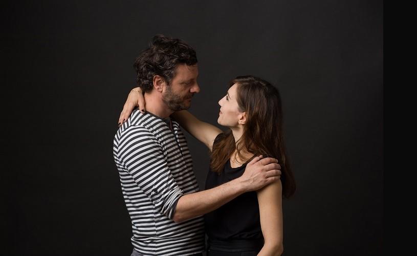"""Alegerile unui om la locul lui: soția sau amanta? """"Un om la locul lui"""", din 23 noiembrie, la cinema"""