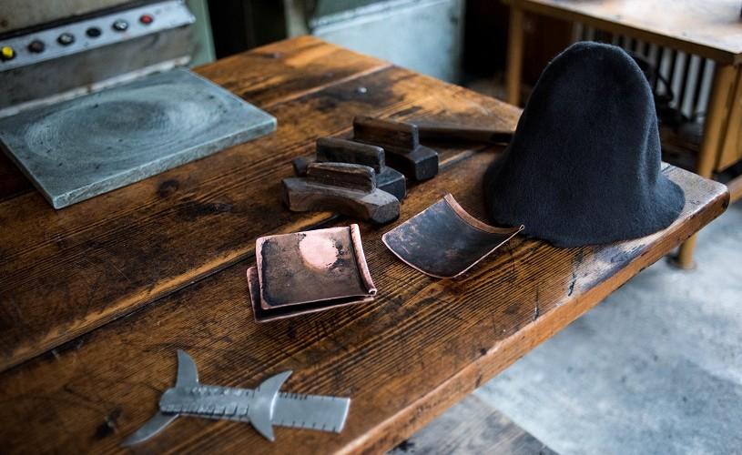 Obiecte de design românesc care scriu istorie: povestea pălăriilor Dădârlat