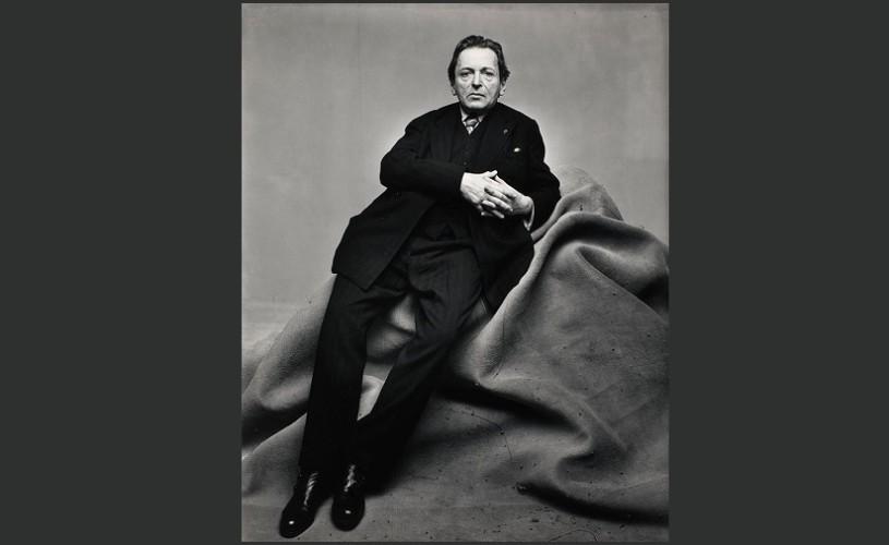 Undeva, cândva… George Enescu pozând pentru revista Vogue