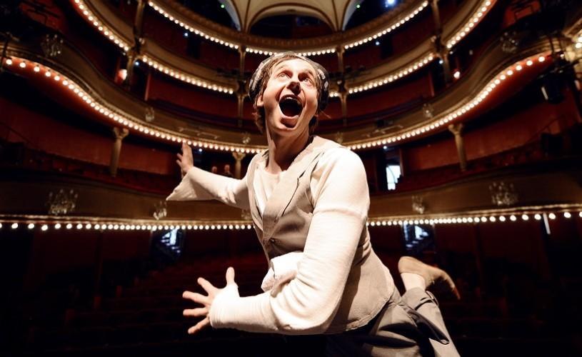 Julien Cottereau, fost colaborator al Cirque du Soleil, vine la Sibiu cu un spectacol solo