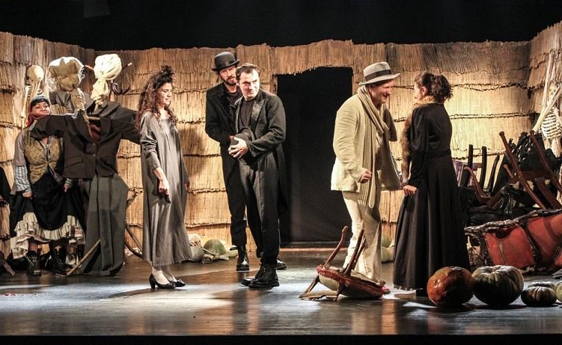 """Hai la măritiș sau """"Piatra din casă"""" (regia Al. Dabija), premieră la Teatrul Ploiești"""