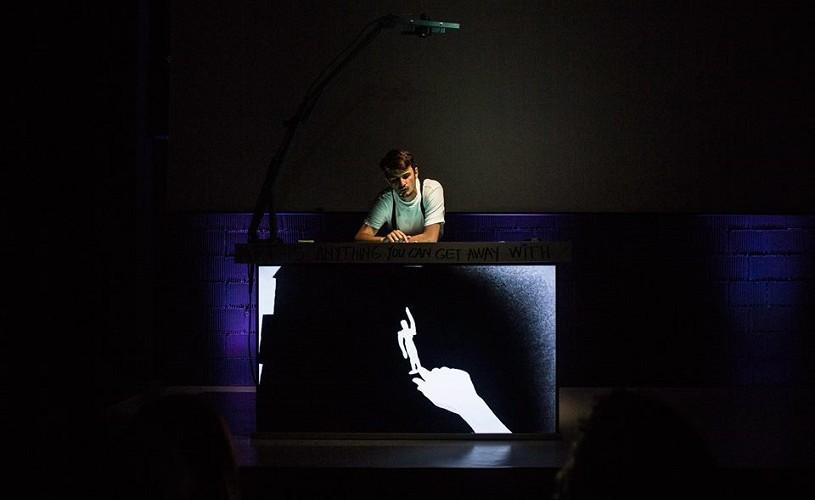 Forța poveștii din ''My arm'' de Tim Crouch, la teatrul independent Point
